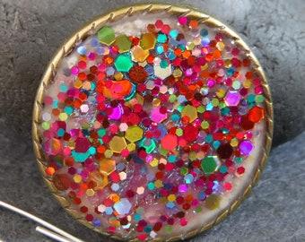 Sparkly resin brooch, bright