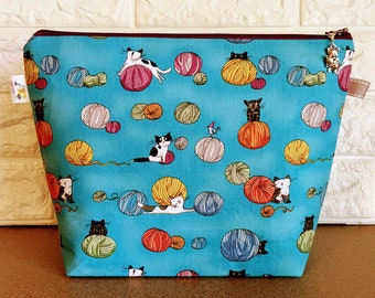 Medium Size Cats and Yarn Knitting Bag with Zipper