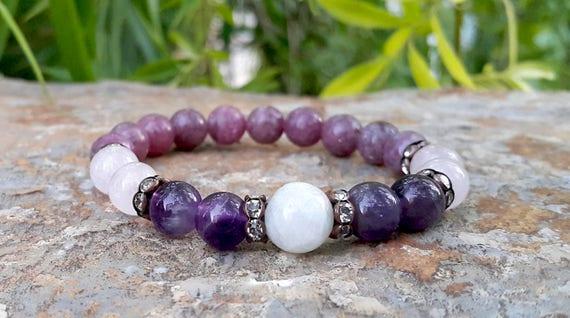 Bracelet made of pink quartz fine stones with lepidolite
