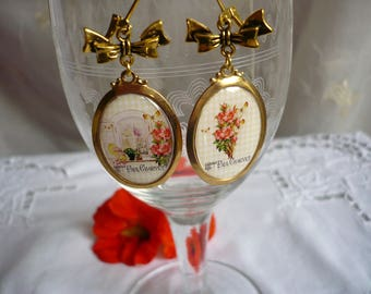 Romantic and vintage gold earrings