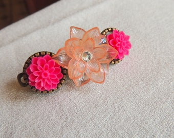 Peach color flower hair clip and pink