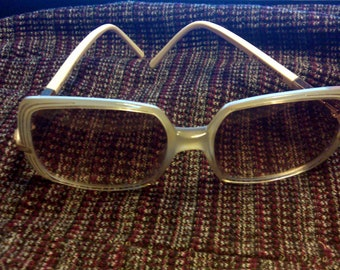 06a640990a99 Retro 1960s Sunglass Shades White and Opaque Lucite Big Rim Shades M  Mannequin made in France Eye Shades