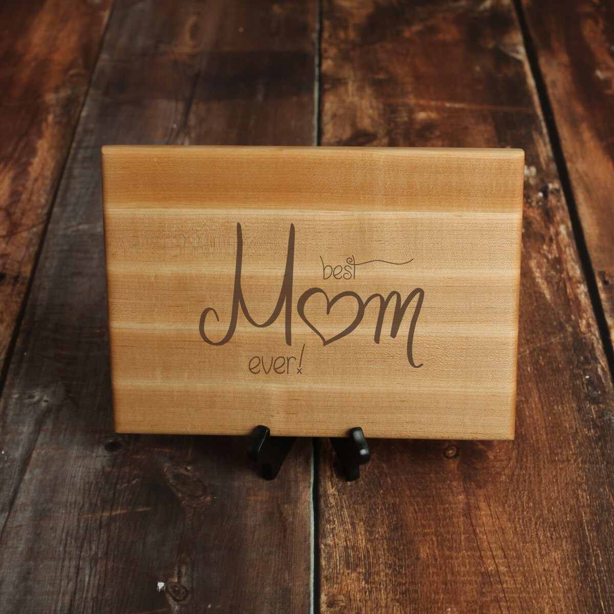 Personalized Cutting Board Mothers Day Gift Walnut Wood Mom Heart Design Gift for Mom Custom Cutting Board