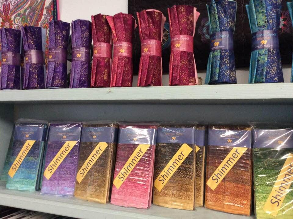 "Northcott Fabric Artisan Spirit Shimmer Hibiscus 40 2.5/"" Jelly Roll Strips"