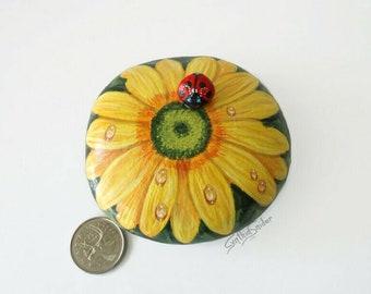 Painted rock, painted stone, yellow daisy, gerbera daisy, ladybug, flower painted rock, garden decor, daisy flower, flower rock, ladybird