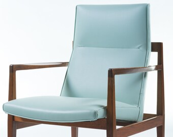 Beautiful Newly Upholstered Mid-Century Modern Walnut Vinyl Lounge Chair