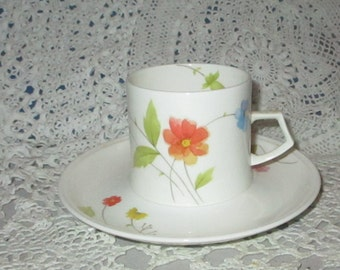 Mikasa Remembrance China Pink /& Lavender Floral Footed Tea Cup and Saucer