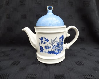 Sadler Novelty Teapot, Willow Pattern, Unmarked
