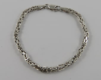 Italian Sterling Silver 7 Inch Bracelet With A  lobster Clasp