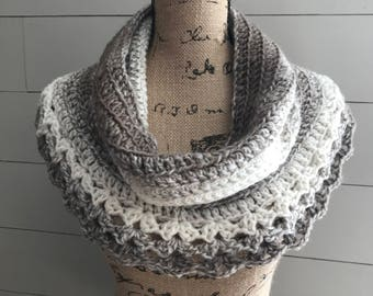 Petoskey Lace Cowl/Ombre Cream&Taupe/Women's Accessories