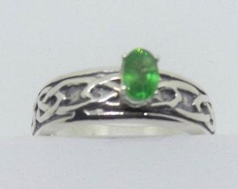 6 x 4 mm Tsavorite Garnet and Celtic Knot Ring