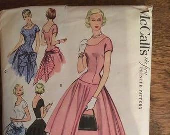 Vintage McCall's Printed Pattern 3176 MIsses Dress SIze 12, BUst 30