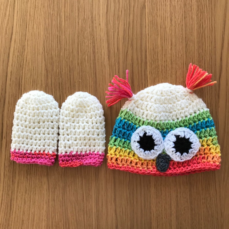 Rainbow owl hat and matching mittens set!