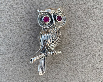 e02365a7fd1 Beautiful Owl Brooch With Ruby Eyes 925 Sterling Silver