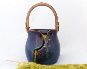 Bol de tricotage, bol à laine avec anse, brun aux effets bleutés, grès