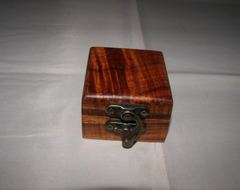 100/_4082 Exotic Curly Koa Ring Box double for two rings