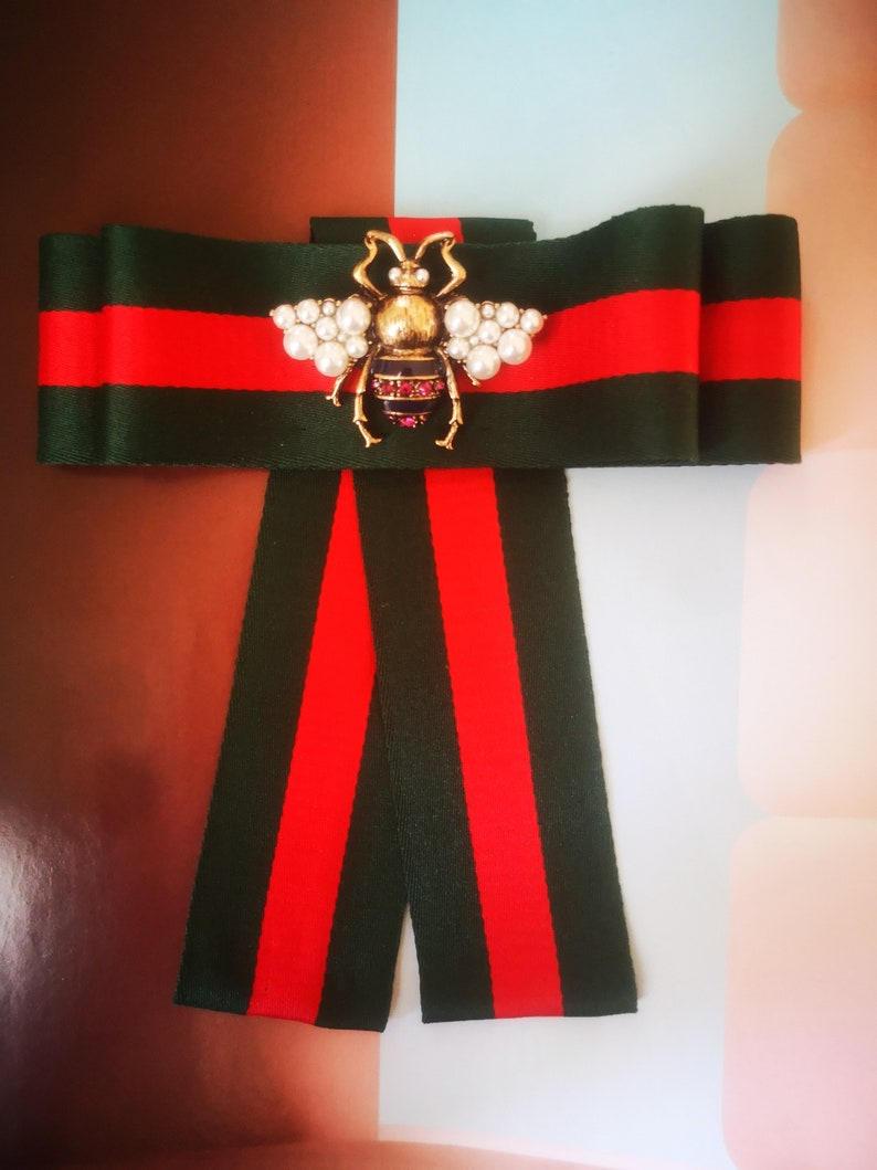 Red Green striped 2in1 Designer inspired Bee Pink Stones Fashion Woman /& Man Brooches Long Ribbon Bow