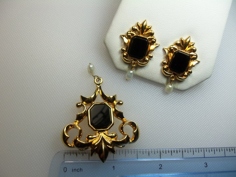 Vintage Polished Gold Tone Faux Black Onyx with Dangling Freshwater Pearls Pin Brooch and Matching Clip Earrings Set Designer Signed Avon