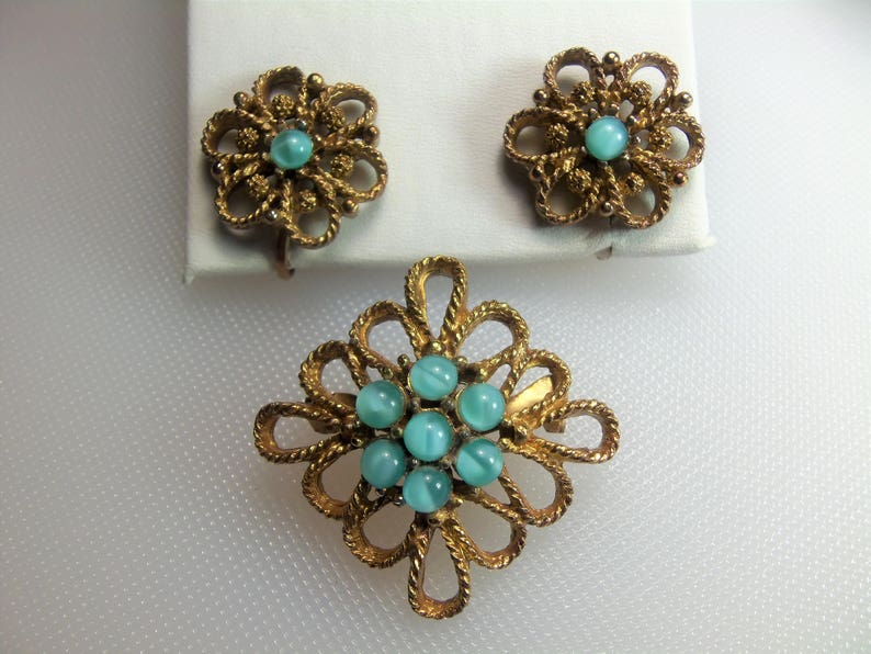 Vintage Antiqued Textured Gold Tone Aqua Blue Faux Moon Stone Pin Brooch and Matching Clip Earrings Set