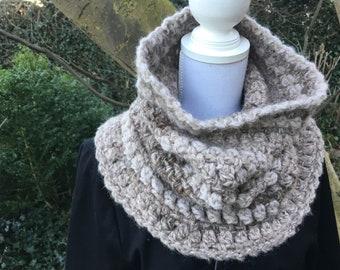 Warm Earthcoloured Cowl / Neckwarmer