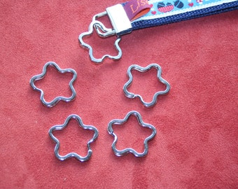 4 key rings in flower shape / flower