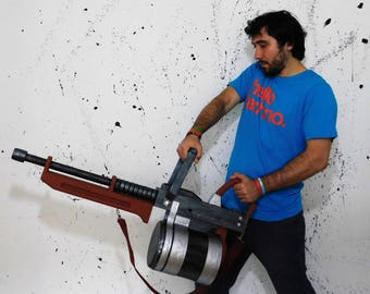 Tomislav Team Fortress 2 cosplay prop