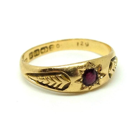 Antique Victorian 18ct Garnet Ring