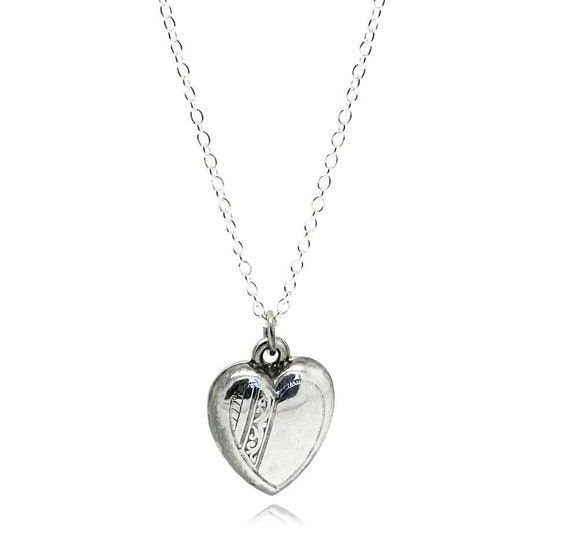 Vintage 1970s Silver Puffed Heart Necklace