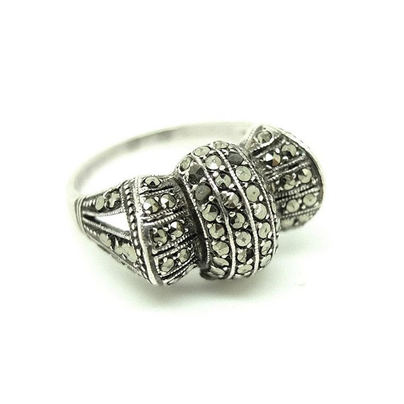 Sterling Silver and  Marcasite Fleur de lis Ring SIZE 8 First Quality FREE S//H