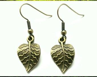 Antique Bronze Little Leaf Earrings // Leaf Gift // Woodland Earrings