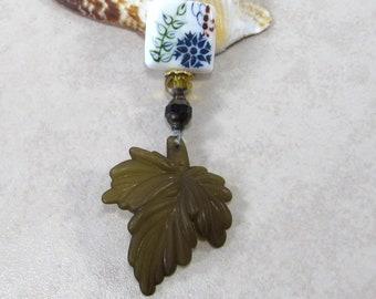 Acrylic Olive Leaf & Glass Pendant Necklace, Longer Disability Friendly Pendant Necklaces, Boho Chic Style Jewelry, Nature Inspired Gift