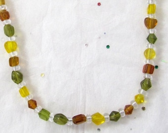 Seasonal Autumn Gold Necklaces, Yellow, Gold, & Green Jewelry, Yellow Glass Beads And Seed Bead Shorter Necklace, Mother's Day Gift Necklace
