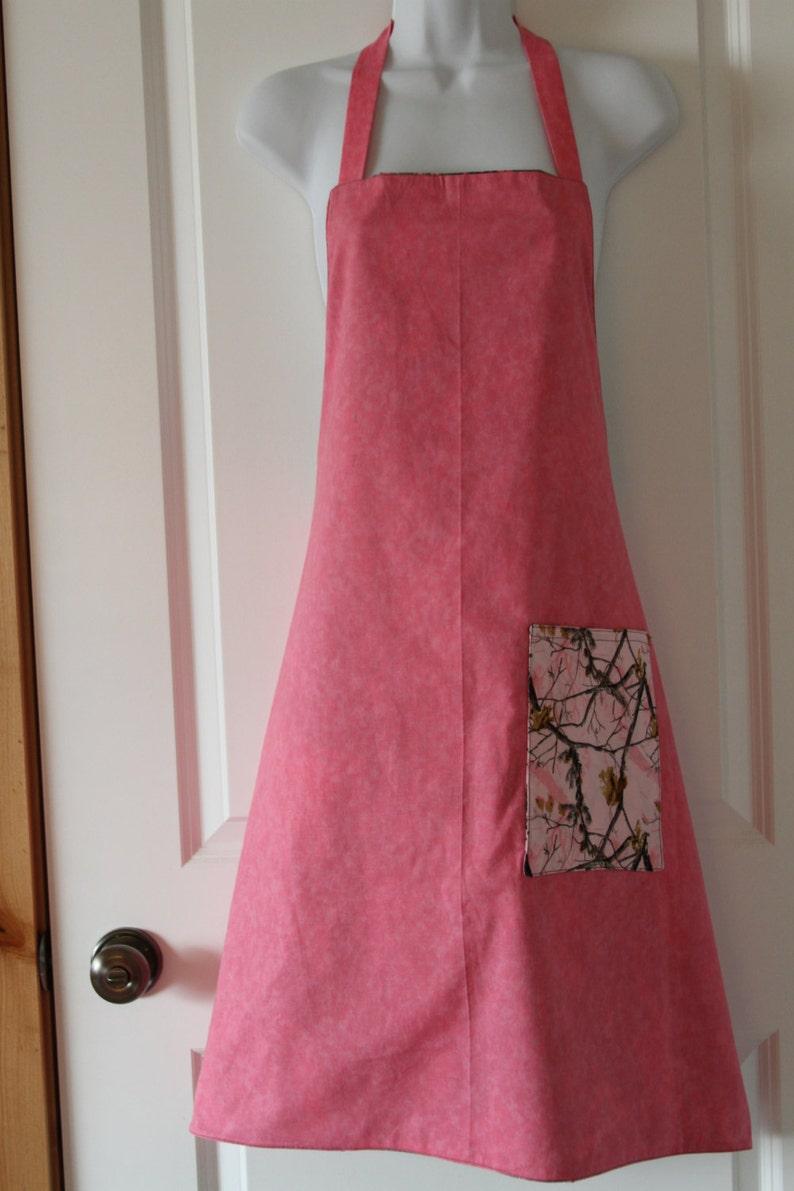 BBQ apron Reversable Pink Camo Apron Cobbler