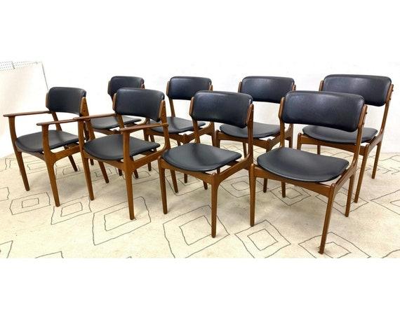 8 ODDENSE MASKINSNEDKERI Dining Chairs. Danish Modern Teak wood Erik Buck Style. 1960's