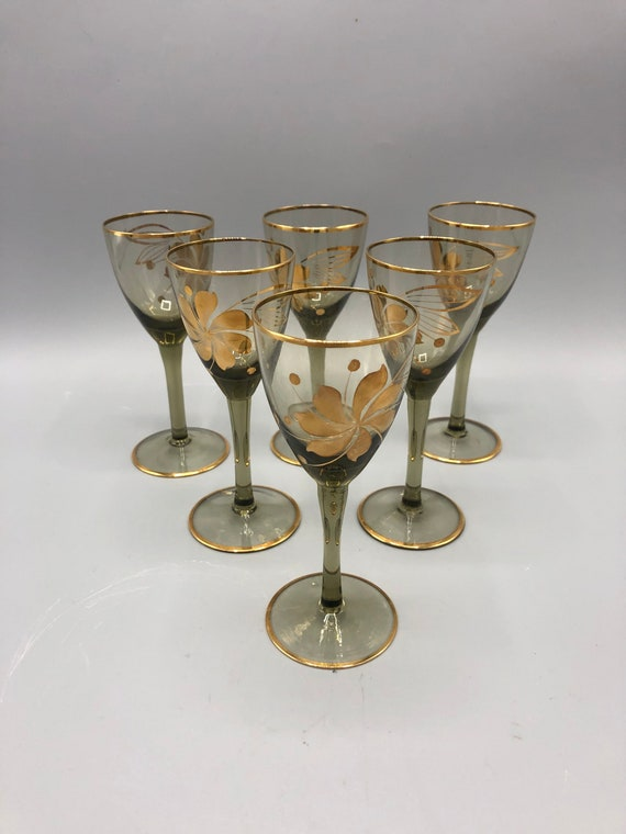 Mid century small wine glasses with gold detail 1960s circa