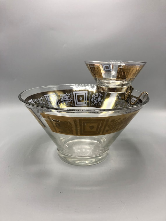 Mid century dip and chip clear glass with 14K gold leaf detail bowl. 1970's Circa