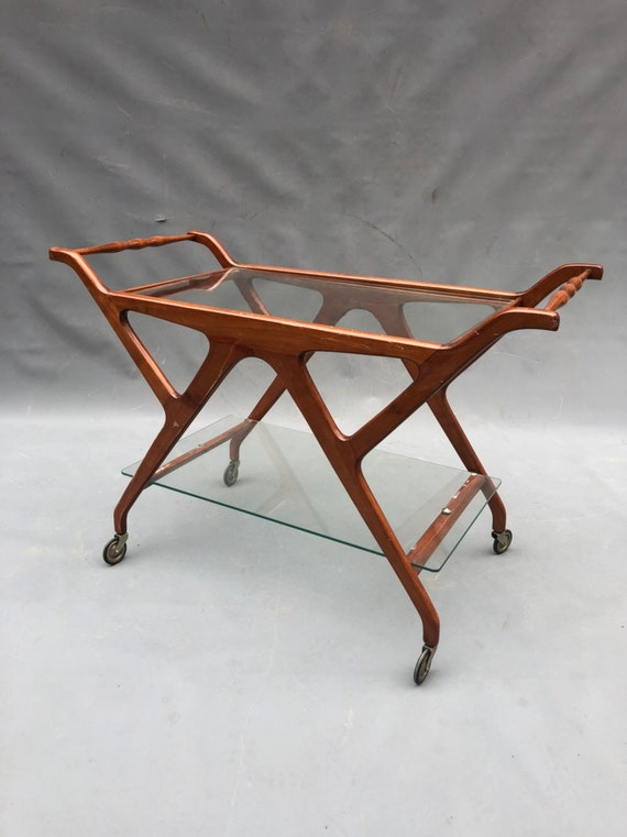 Mid-Century Stunning CESARE LACCA glass top rolling bar cart.