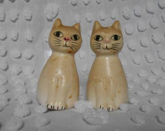 Vintage Kitchen Kitty Salt and Pepper Shakers - Ceramic White Cat Salt and Pepper - MidCentury Modern Cat Shakers - Ready to Ship
