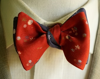 Blue and Red Bowtie, Navy and Red Floral Bowtie, Reversible Bowtie, Self-Tied or Pretied. Mens Bowtie
