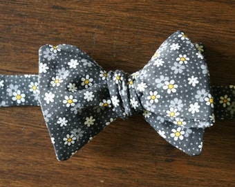 Black Ditsy Floral Bow Tie for Men, Self Tied or Pre Tied Bowtie, All Cotton with White and Yellow Daisy Flowers, Farm Wedding