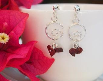 Small silver hoop earrings, silver spiral earrings, silver wire earrings, round earrings, circle earrings, stone cluster earrings