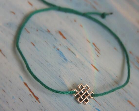Saint Patrick's Day Friendship Bracelet - Lucky charm bracelet - green celtic infinity knot bracelet - minimalist jewelry - celtic style