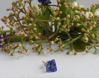 Single ear stud - mono-ear stud - raw lapis lazuli - mineral stone - sagittarius birthstone - mono-earring - stud for piercings - lapis blue