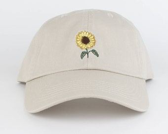 Sunflower Hat - Tan Embroidered Dad Hat - Polo Hat - Curved Brim Six Panel  Fabric Strap Hat - Cute Floral Flower Hat - Gucci - Brand New 617ffe335e05
