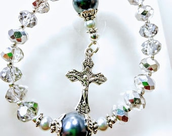 Antique style reflective diamond silver crystal grey pearl rosary bracelet