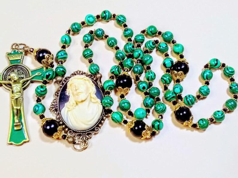 Beautiful Victorian Style Emerald Green Malachite & Onyx Bead image 0