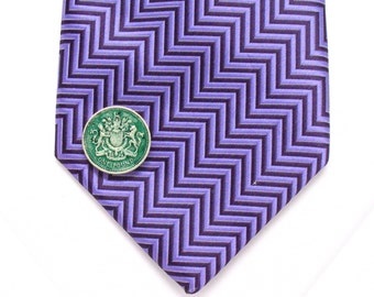 British Pound Tie Tack Lapel Pin Suit Britain England Seal Crest United Kingdom Trade Finance Royal Queen King Knight