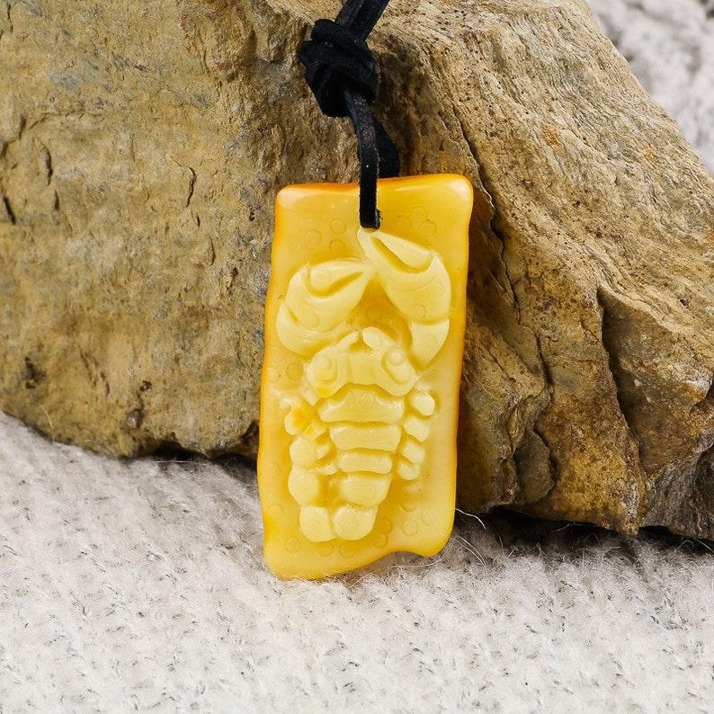 20a4cab58a81e5 Krab bursztynowy Rzeźba kraba Żółty matowy bursztyn | Etsy