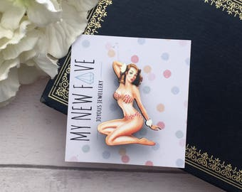 Pinup girl, pin-up brooch, Pinup Girl Brooch, Pin-up, Pin up Laser cut Wood, wooden jewellery, laser cut jewelry, laser cut jewellery