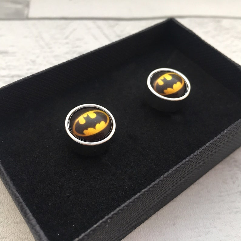 perfect for superhero fans Batman round silver plated cufflinks quality barrel design comes gift boxed Choice of design